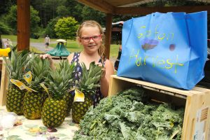 Legacy Foundation brings produce to Groton kids