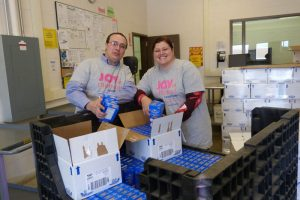 foodbankst ways to give food and fund drives packing mac and cheese 300x200 - foodbankst-ways-to-give-food-and-fund-drives-packing-mac-and-cheese
